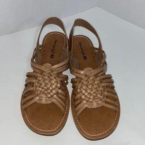 American Eagle light tan woven katan sandals sz 9